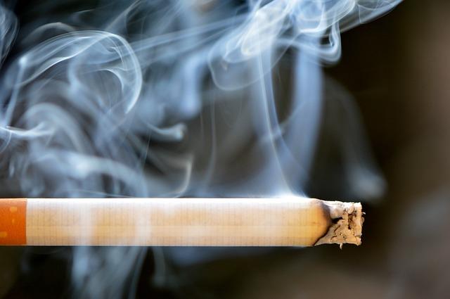 タバコ 黄ばみ