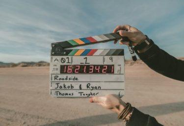 ジャッキーウー(映画監督)の本名と学歴は?エステサロンの場所は特定された?顔画像や年齢も調査!
