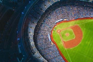 高橋奎二(たかはしけいじ)選手の契約更改2021での年棒は?板野友美と結婚を発表!